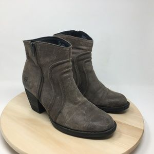 Born Women's Size 9.5M Ankle Booties B120